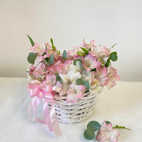 Цветочная композиция №4, авторский букет, букет в корзине, букет из альстрамерий, стильная композиция, стильный букет, цветочная композиция, цветочная корзина, цветы в корзинке, цветы корзине,