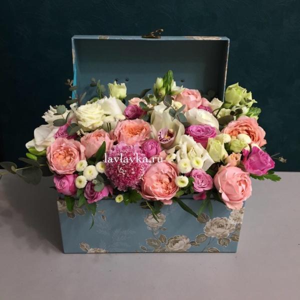 Цветочная композиция №5, бая, кустовая роза, лизиантус, орхидея, пионовидные розы, цветочная композиция, эвкалипт,