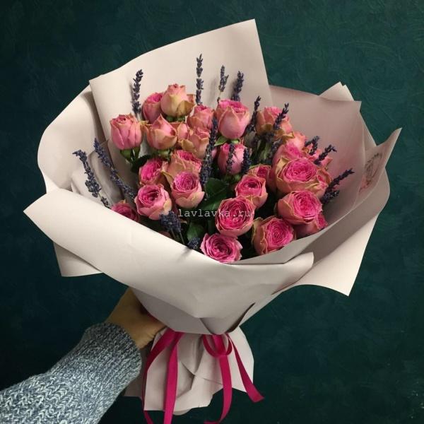 Букет №44, букет с лавандой, букет с пионовидными розами, кустовая пионовидная роза, лаванда, пионовидные розы,