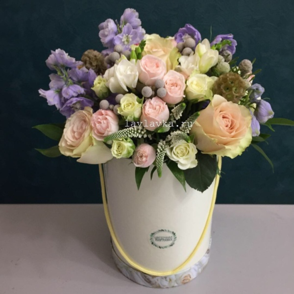 Букет в шляпной коробке №5, букет в коробке, букет в шляпной коробке, цветы в коробке, цветы в шляпной коробке, шляпная коробка,