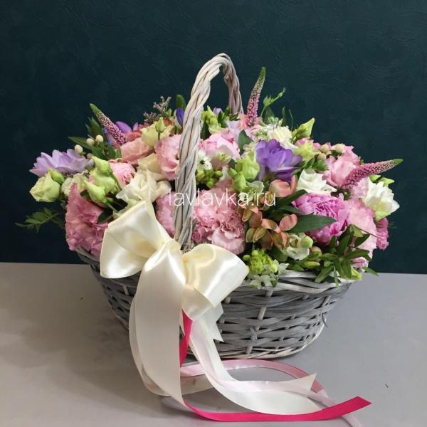 Цветочная композиция №4, букет в корзине, корзина с цветами, цветы в корзине,
