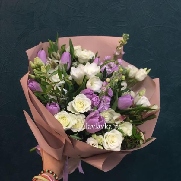Букет №41, букет на 8 марта, букет с тюльпанами, весенний букет,