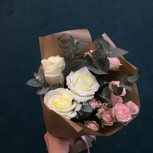 Букет №27, букет из роз, крафт, кустовая роза, роза,