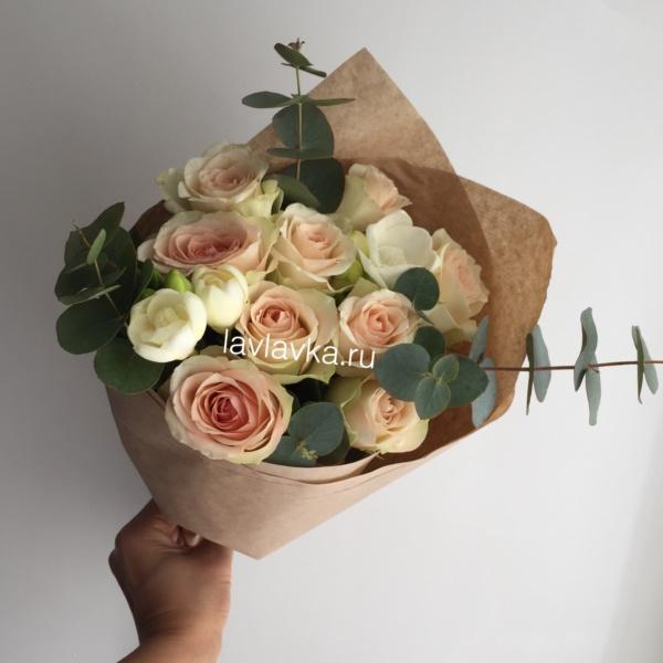 Букет №135, букет в школу, букет для учителя, букет на 1 сентября, букет с розами, цветы на 1 сентября, цветы учителю,