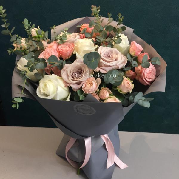 Букет №53, бело-розовый букет, букет из роз, букет на 14 февраля, букет на 8 марта, кустовая пионовидная роза, пудровая роза, пудровый букет, розовый букет, розы, цветы на 14 февраля, цветы на 8 марта,