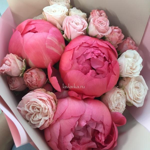 Букет №79, букет на 14 февраля, букет на 8 марта, кустовая пионовидная роза, пион, пион флеминг, пионы, пудровые розы, роза бомбастик, роза пионовидная,