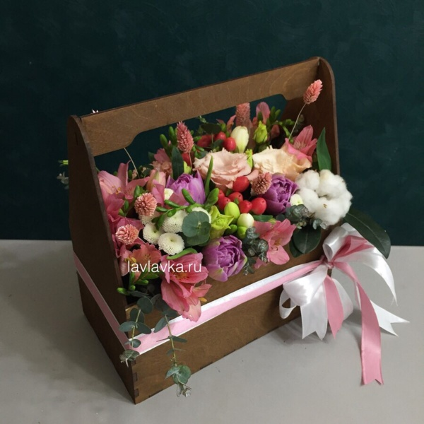 Композиция в ящике №10, букет в деревянном ящике, букет в коробке, букет в ящике, цветы в деревянном ящике, цветы в коробке, цветы в ящике,