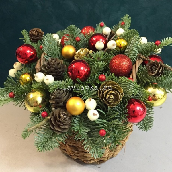Новогодняя композиция №16, золотая композиция, композиция, композиция в корзинке, новогодние корпоративные подарки, новогодняя композиция, рождественская композиция,