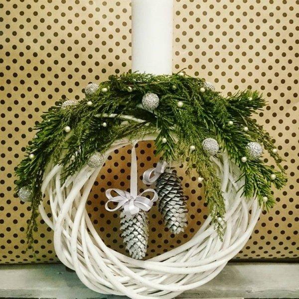 Новогодняя композиция №11, венок, кипарис, нобилис, новогодний венок, подсвечник, свеча, шар, шишки,