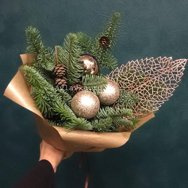 Новогодняя композиция №26, букет с нобилисом, зимний букет, нобилис, новогоднее украшение, новогодний букет, новогодний декор, новогодний подарок, новогодний шар, шар, шишки,