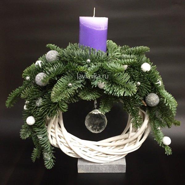 Новогодняя композиция №18, голубая ель, ель, нобилис, новогодние шары, новогодний подсвечник, новогодняя композиция, свечи,