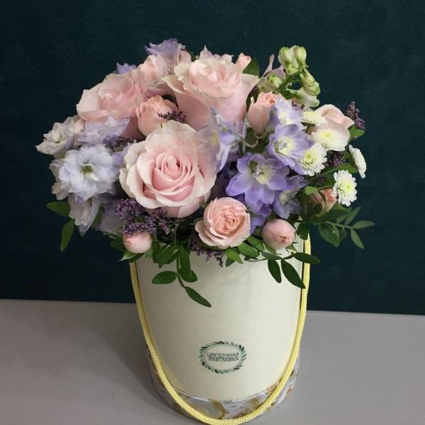 Букет в шляпной коробке №13, букет в коробке, букет в шляпной коробке, цветы в коробке, цветы в шляпной коробке,
