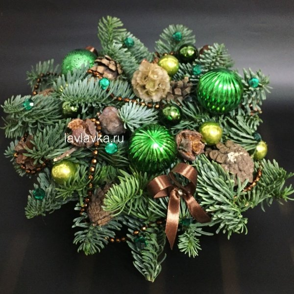 Новогодняя композиция №32, бусы, композиция с нобилисом, нобилис, новогоднее украшение, новогодние композиции, новогодние свечи, новогодний декор, новогодняя композиция на стол, шишки,