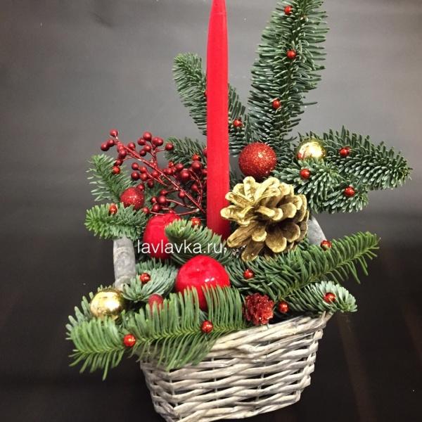 Новогодняя композиция №29, букет с нобилисом, декор, золото, нобилис, новогодние композиции, новогодние шары, новогодний подсвечник, новогодняя композиция, новогодняя композиция со свечами, свечи, шишки, ягоды,