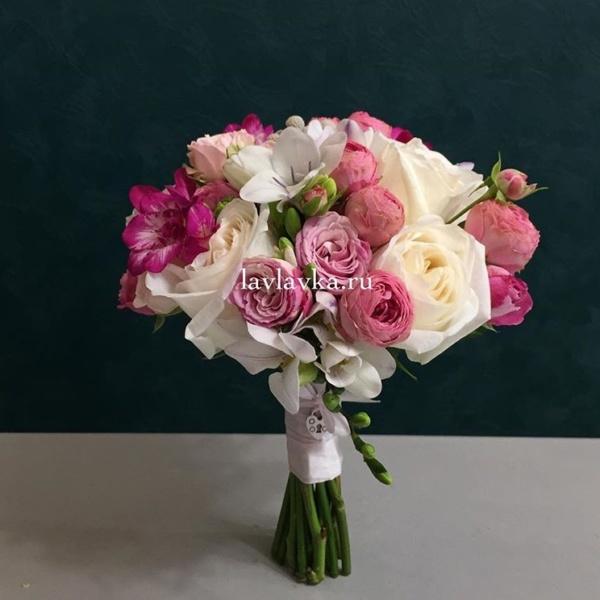 Букет невесты №21, букет невесты, винтажный букет, георгина, малиновый букет, малиновый букет невесты, нежный букет невесты, розы, свадебный букет,
