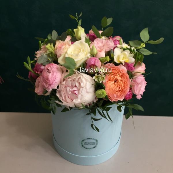 Букет в шляпной коробке №17, букет в голубой коробке, букет в шляпной коробке, цветы в коробке, цветы в шляпной коробке,
