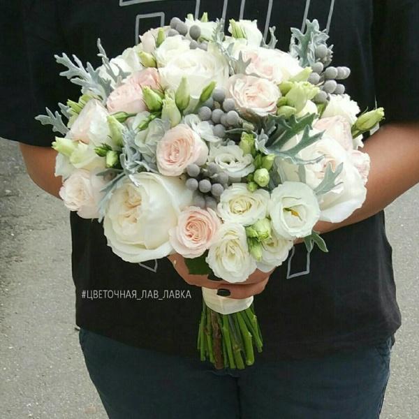 Букет невесты №25, бруния сильвер, букет из пионов, кустовая пионовидная роза, кустовая роза, лизиантус, пионовидная роза, пудровый букет, пудровый букет невесты, сенецио маритима, эустома,