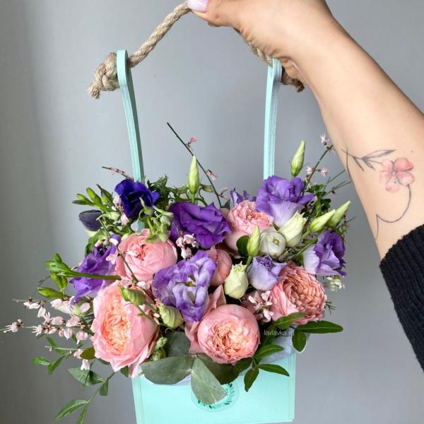 Композиция в ящике №11, букет из пионовых роз, букет с пионовидными розами, джульетта, лизиантус, пионовая роза, пионовидная кустовая роза, пионовидная роза, роза джульетта, стильный букет, стильный букет в ящике, фиолетоаый лизиантус, фисташка, цветы в ящике, цветы коробке, эустома,