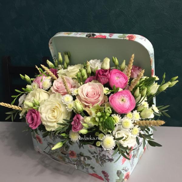 Цветочная композиция №10, колоски, композиция, лизиантус, нежная композиция, нежный букет, орнитогалум, ранункулюс, розовая роза, розы, сталион, тритикум,