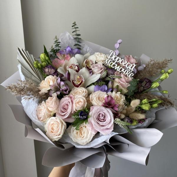 Букет №2, альстрамерия, букет на 14 февраля, букет на 8 марта, букет с орхидеей, букетна1сентября, крафт, лизиантус, матрикария бая, орхидея, сталлион белый, цветы на 14 февраля, цветы на 8 марта,