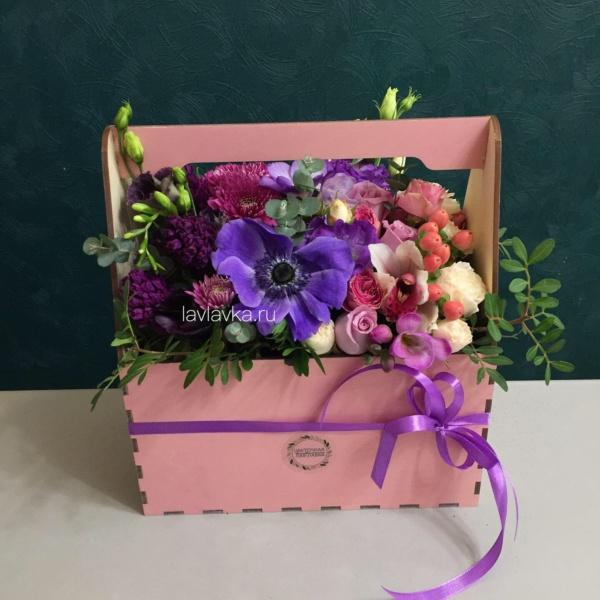 Композиция в ящике №21, букет в ящике, цветочная композиция, цветы в деревянном ящике, цветы в ящике,