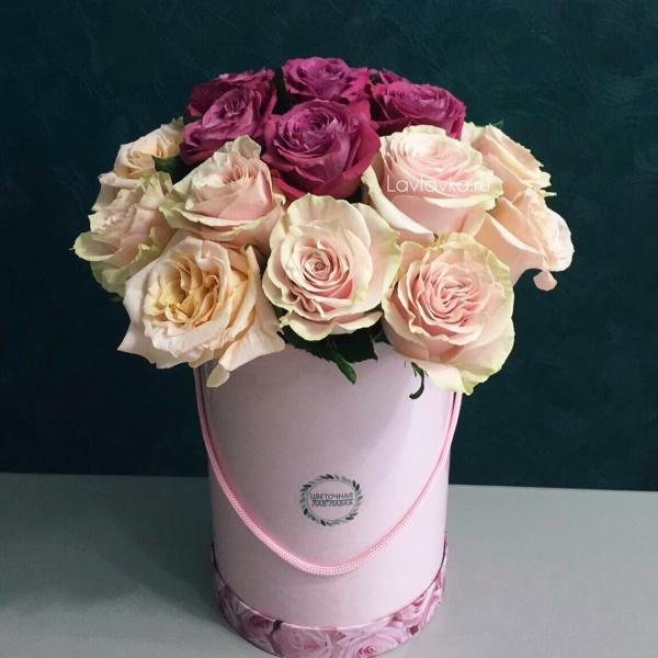 Букет в шляпной коробке №29, букет в шляпной коробке, роза мондиаль, розовый букет, розы, розы в коробке, цветы в шляпной коробке,