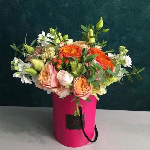 Букет в шляпной коробке №24, букет в шляпной коробке, рыжий букет, цветы в коробке,