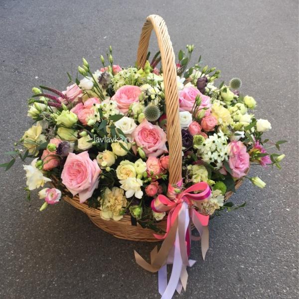 Цветочная композиция №15, букет в корзине, букет на 14 февраля, вероника, гвоздика, корзина с цветами, лизиантус, орнитогалум, роза кустовая пионовидная, роза пионовидная, цветочная композиция, цветочная композиция в корзине, цветы в корзине, цветы на 14 февраля, цветы на 8 марта,