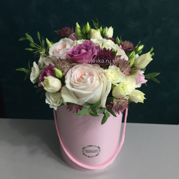 Букет в шляпной коробке №32, букет в коробке, букет в шляпной коробке, цветы в коробке,