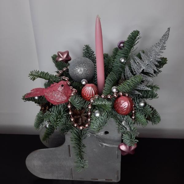 Новогодняя композиция №46, композиция на ресепшн, композиция с шишками, новогоднее украшение, новогодние композиции, новогодние подарки, новогодние шары, новогодний декор, новогодний подарок, новогодняя композиция, новогодняя композиция на стол,