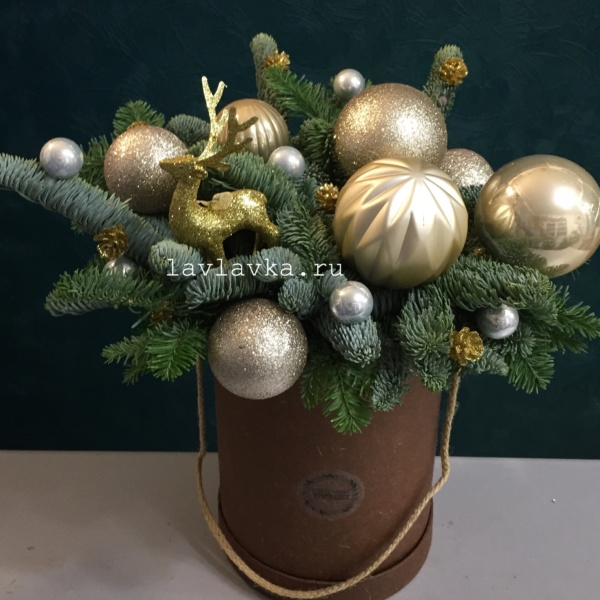 Новогодняя композиция №60, букет в коробке, зимний букет, новогодний букет, новогодний букет в коробке, новогодняя композиция, рождественский букет, цветы в коробке,