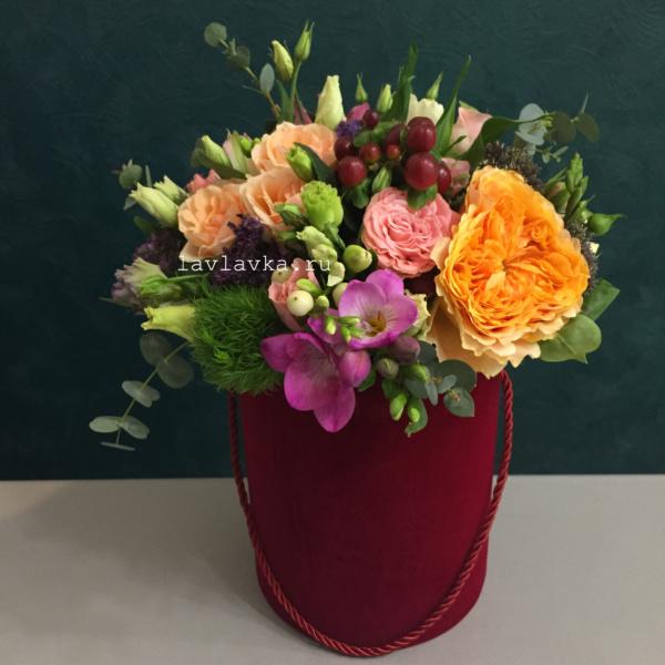 Букет в шляпной коробке №37, букет в коробке, букет в шляпной коробке, цветы в коробке, цветы в шляпной коробке,