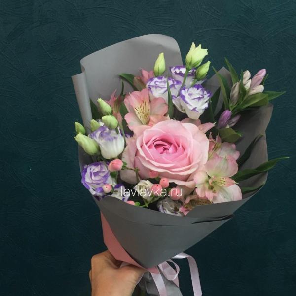 Букет №16, альстромерия, розове розы,