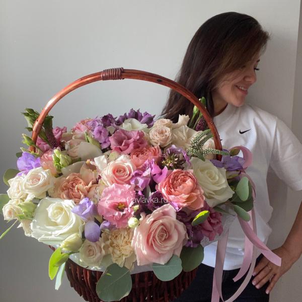 Цветочная композиция №32, большая корзина с цветами, большая корзина цветов, букет в корзине, букет гигант, корзина с цветами, цветочная композиция, цветочная композиция в корзине, цветы в корзине,