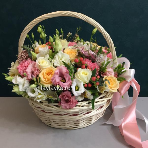 Цветочная композиция №31, букет в корзине, цветочная композиция, цветочная композиция в корзине, цветочная корзина, цветы в корзине, цветы в корзинке,