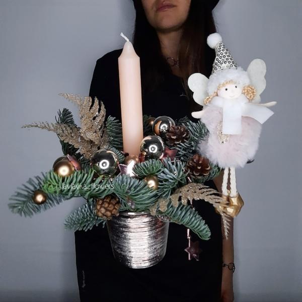 Новогодняя композиция 85, длинная новогодня композиция, композиция со свечами, корпоративные новогодние подарки, корпоративный новогодний букет, купить новогодний подарок, новогоднее настроение, новогоднее оформление, новогоднее оформление офиса, новогоднее украшение, новогоднее украшение для дома, новогодние венки, Новогодние елочки, новогодние свечи, новогодний букет, Новогодний подарок директору, новогодний подарок коллеге, Новогодняя елка, новогодняя композиция, новогодняя композиция в офис, новогодняя президиумная композиция, рождественская композиция,