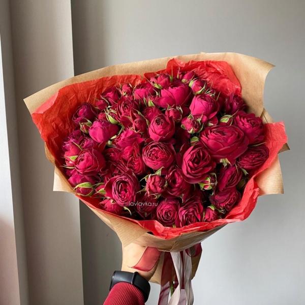 Букет №58, Букет из пионовидных роз, букет на 8 марта, букет с пионовидными розами, красивый букет, малиновый букет, пионовидные розы, розовый букет, цветы на 8 марта, ягодный букет, Яркие пионовидные розы,