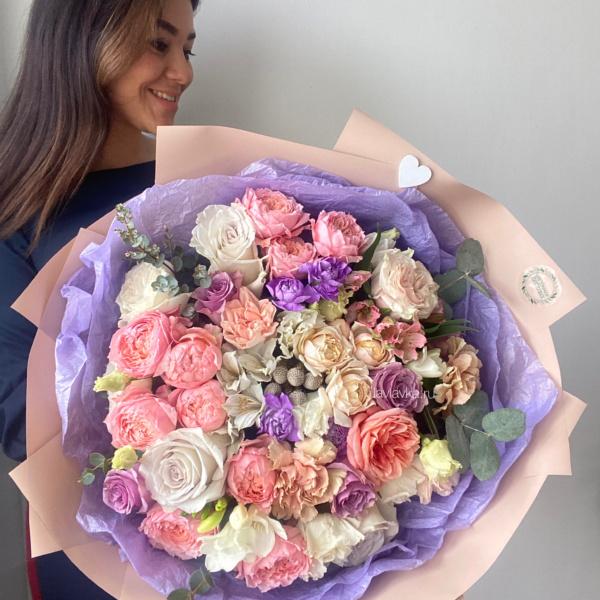 Букет №48, авторский букет, аионовидные розы, бруния, букет для люб, букет для любимой, Букет из пионовидных роз, букет с пионовидной розой, букет с пионовидными розами, гвоздика, кустовые розы, нежный букет, розовые розы, розы, сиреневый букет, стильный букет, Цветы для любимой, яркий букет,