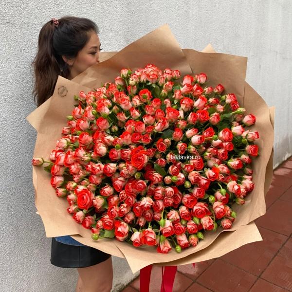 Букет №22, 51 кустовая роза, 51 роза, 55 кустовых роз, 55 роз в корзине, большая корзина роз, большой букет, большой букет из роз, букет гигант, букет из 51 кустовой розы, букет из 51 розы, букет из 55 кустовых роз, букет из 55 роз, букет из кустовых роз, гигантский букет, кустовые роз, стильный букет, цветы на 8 марта, эффектный букет,