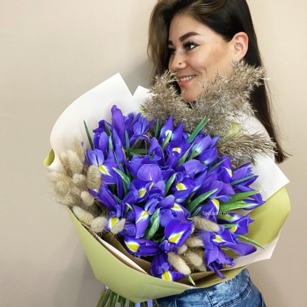 Букет №29, букет из ирисов, букет из сухоцветов, ирисы, синий ирис, сухоцветы,